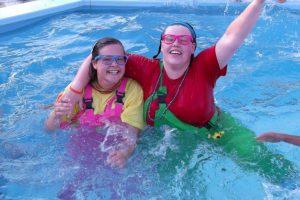 loek-lot-in-het-zwembad
